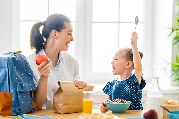 4 ჯანსაღი საუზმე ბავშვებისთვის, რომლებსაც 5 წუთში მოამზადებთ